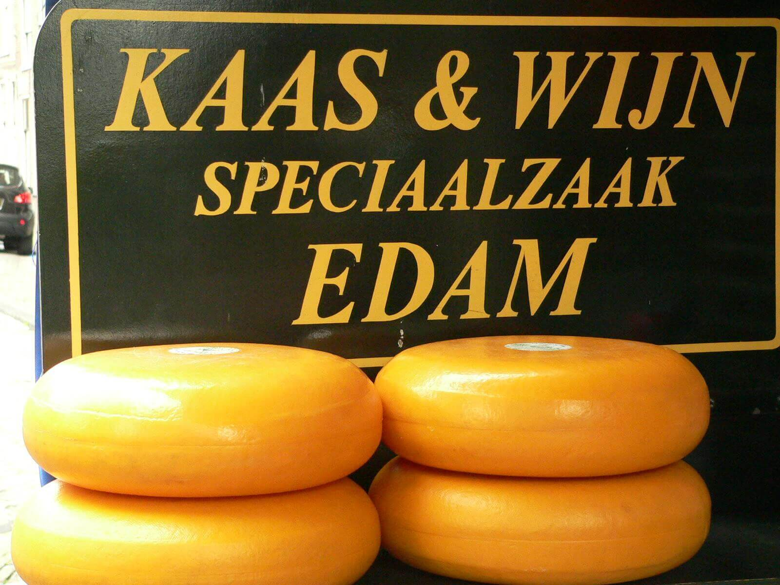 Famous Edam cheese. Taken by Alkan Boudewijn de Beaumont Chaglar via Flickr.