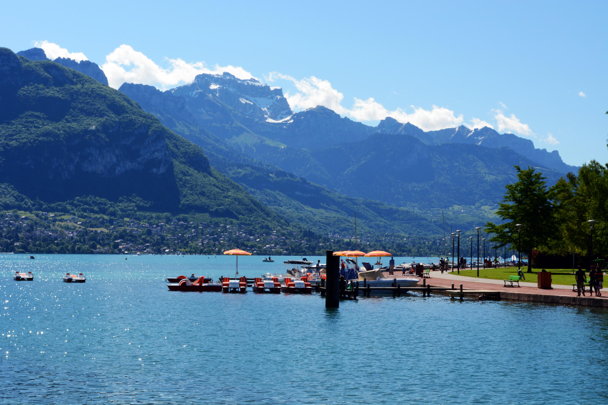 Lake Annecy. Taken by Pug girl via Flickr.