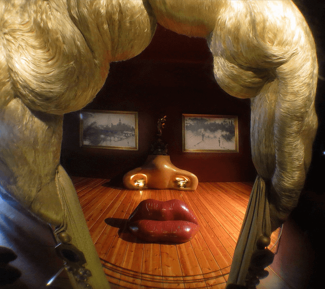 Mae West furniture face in the Dalí Museum