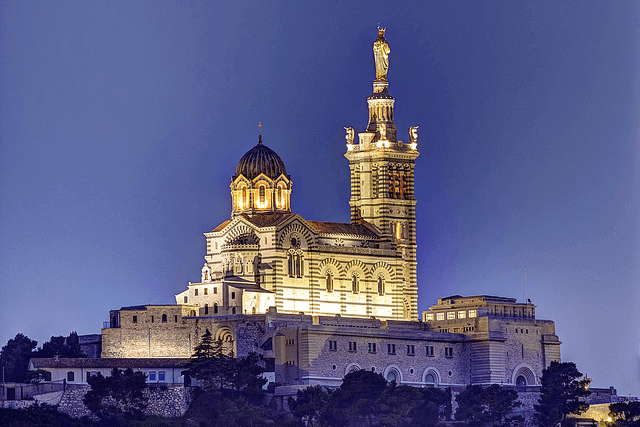 Notre-Dame de la Garde at night, Marseille. Taken by Selden Vestrit via Flickr.