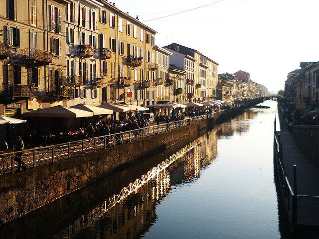 Cafés along the Naviglio Grande in Milan. Taken by Ste via Flickr.