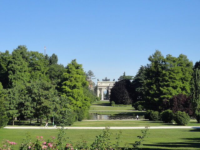 Parco Sempione with a view of the Arch of Peace in Milan. Taken by Dzhingarova via Flickr.