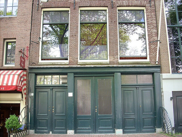Front doors of the original entrance of Anne Frank's house. Taken by liddybits via Flickr.