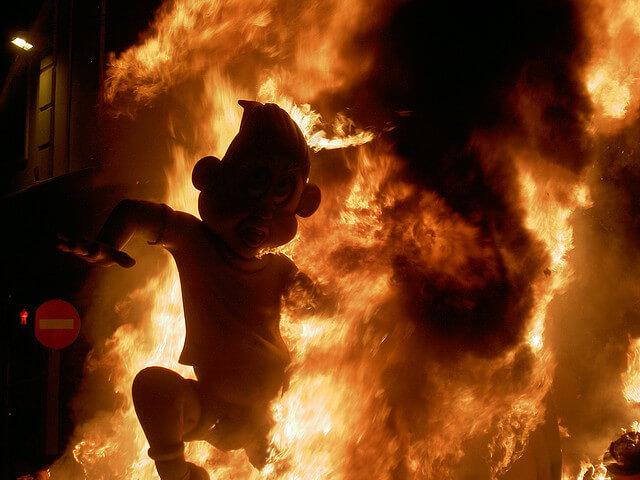 Las Fallas, burning_02
