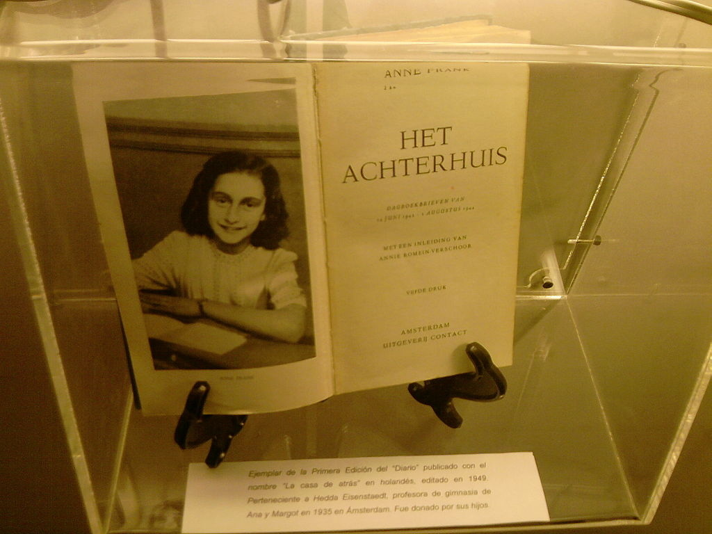 Original copy of the Diary of Anne Frank from 1947. By Gonzalort1 (Own work), via Wikimedia Commons.