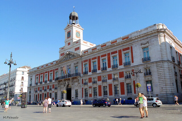 Let 39 s meet at puerta del sol for Edificio puerta real madrid