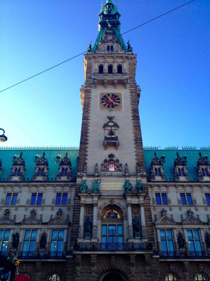 Hamburg Rathaus by day