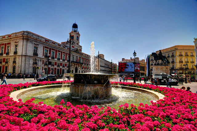 Let 39 s meet at puerta del sol for Plaza puerta del sol