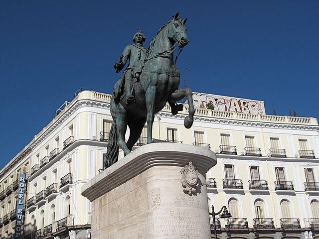 Statue of King Carlos III.