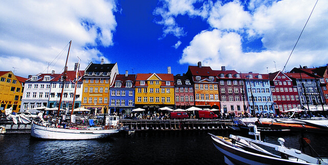 Nyhavn. Taken by Greenland Travel via Flickr.