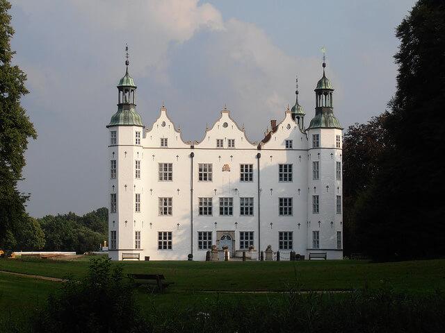Ahrensburg Castle. Taken by storebukkebruse via Flickr.