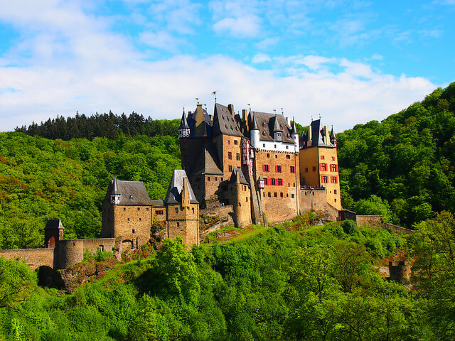 Burg Eltz. Taken by linesinthesand via Flickr.