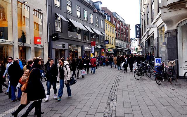 Strøget shopping street. Taken by Dan via Flickr.